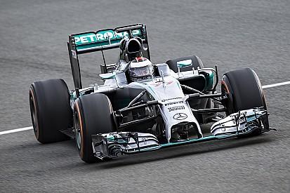 Fotogallery: il test di Jorge Lorenzo con la Mercedes W05 Hybrid