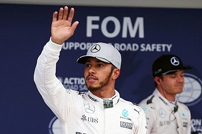"""Hamilton: """"80 cm di vantaggio per Nico? Spero di averne io domani"""""""