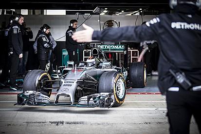 Lorenzo se félicite de chronos très compétitifs avec la Mercedes F1