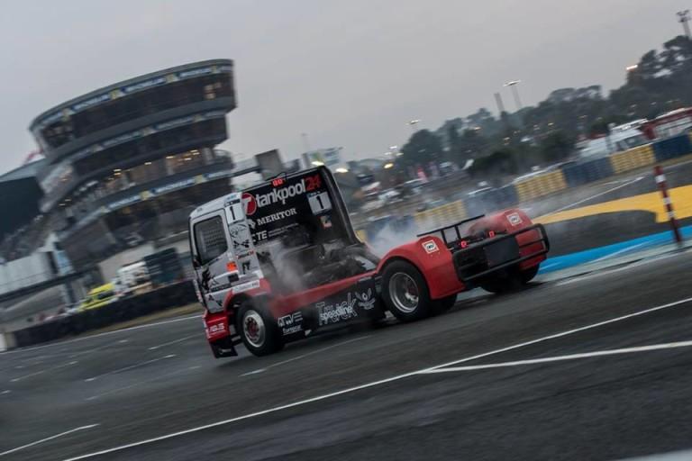 Kiss Norbi az élről esett ki Le Mansban, motorhibával zárta az évet