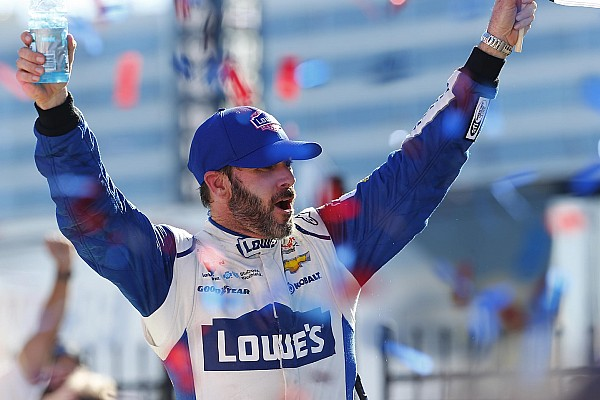 NASCAR Cup Jimmie Johnson se place dans la course au titre