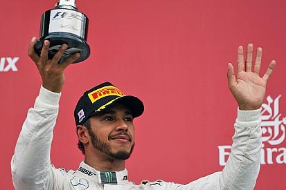 Hamilton entra em clube seleto com 100º pódio na F1