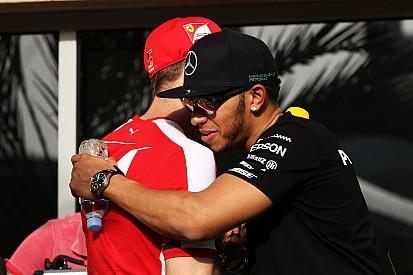 Hamilton majd kicsattant az örömtől, miközben bajnok lett a Mercedes