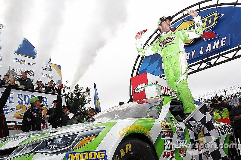 Buen momento para Daniel Suárez en su lucha por el campeonato de NASCAR