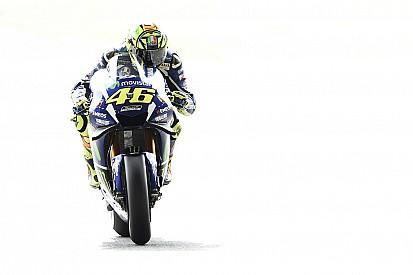 """Rossi: """"El neumático blando delantero puede servir para la carrera"""""""