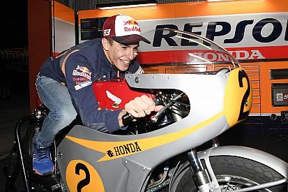 """Márquez - """"J'espère pouvoir devenir comme Rossi à l'avenir"""""""