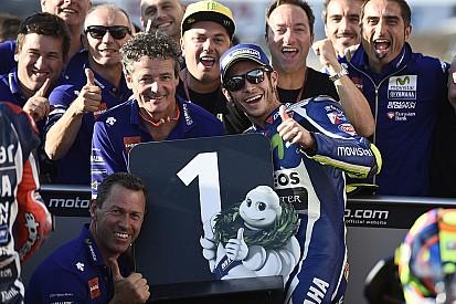 Rossi renace en Motegi y se lleva la pole
