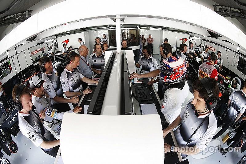 """Dennis met """"5/10"""" à McLaren: """"Nous ne sommes pas assez bons"""""""