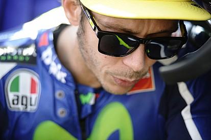 Rossi revela que quebrou dedo em queda em Motegi