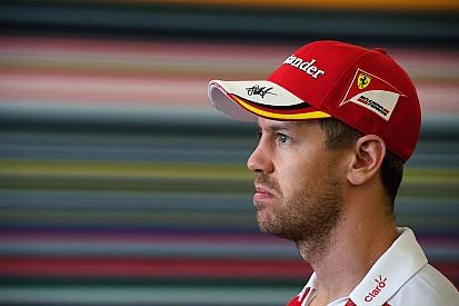 """Vettel """"olcsón"""" megúszta a bokszutcás incidenst Austinban!"""