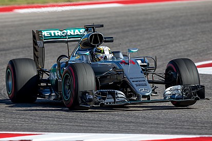 Mercedes rompe el toque de queda en el coche de Hamilton