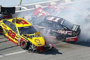 NASCAR Cup Feature Bildergalerie: NASCAR-Crashs in Talladega