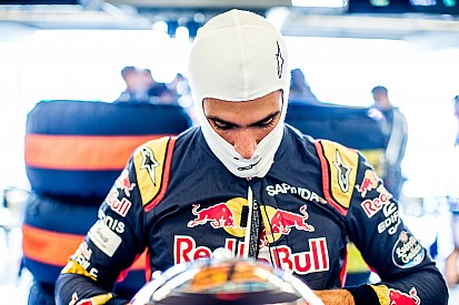 Sainz csodát tett a Toro Rossóval és ott van a Q3-ban