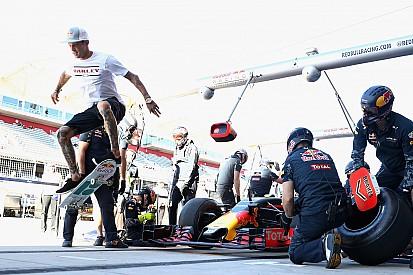 Világhíres gördeszkás trükközött a Red Bull kerékcseréjénél