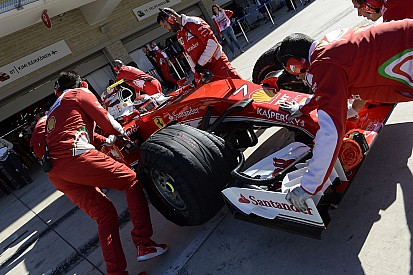 A Ferrari ejtette ki Räikkönent... újabb amatőr hiba!