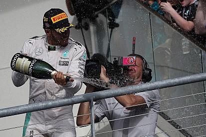 """Confiante, Hamilton se diz pronto para lutar: """"Me sinto bem"""""""
