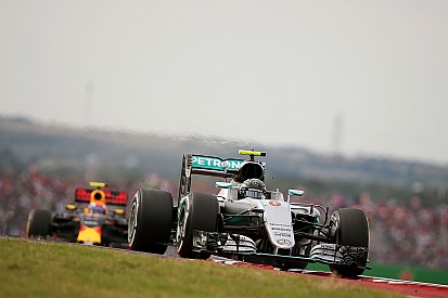 Rosberg tidak puas dengan raihan peringkat kedua