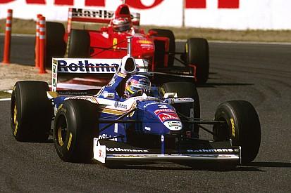 Ma 19 éve, hogy Villeneuve bajnok lett: Schumachert kizárták a bajnokságból