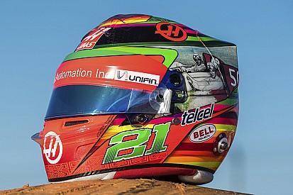 Fotogallery: ecco il casco celebrativo di Gutierrez per il GP del Messico