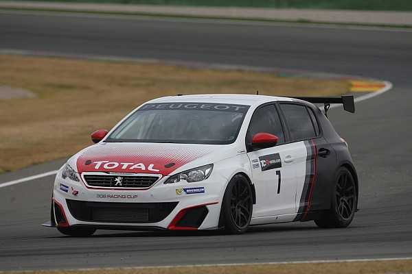 A Mettet si rivede la Peugeot 308 Racing Cup
