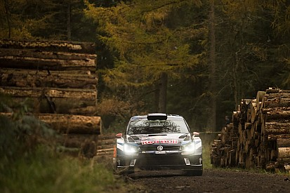 Galles, PS4: Tänak si avvicina ad Ogier, Latvala a podio, Mikkelsen rompe