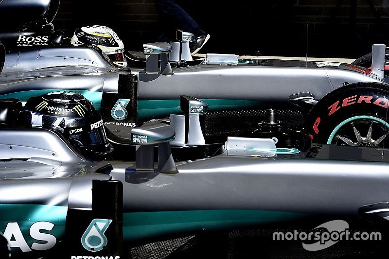 EL1 - Hamilton devant avec les pneus les plus durs
