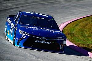 NASCAR Cup Qualifyingbericht Nach Ausscheiden aus Chase: Martin Truex Jr. holt Martinsville-Pole