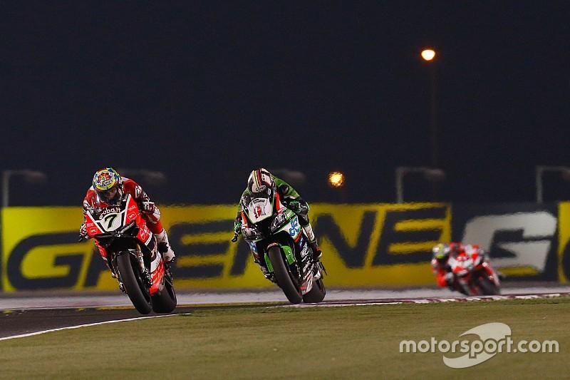 Davies, el más rápido del viernes; Rea aventaja a Sykes en más de medio segundo