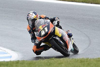 Moto3マレーシア予選:雨の予選、終了間際にBビンダーがポール奪取。尾野が2度転倒