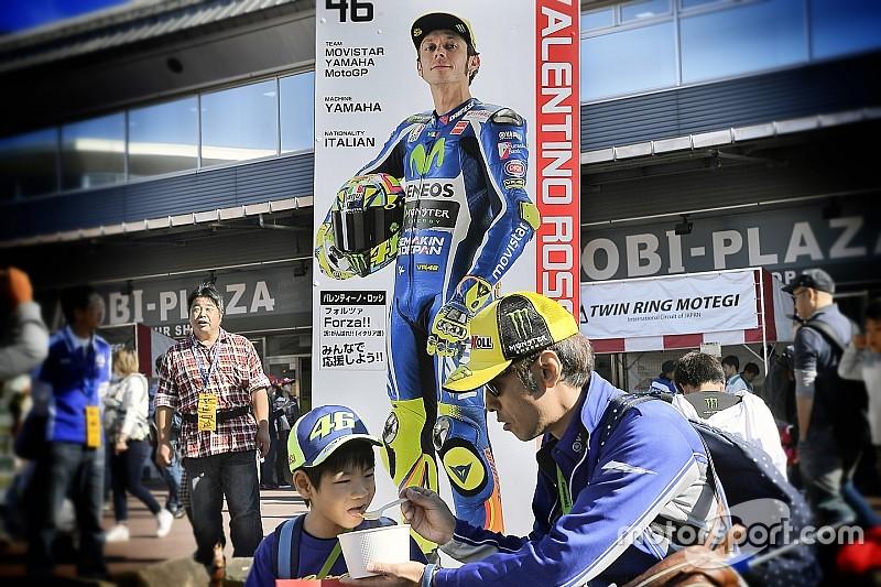 Espargaró, Iannone y Dovizioso,sancionados por saltarse la firma de autógrafos