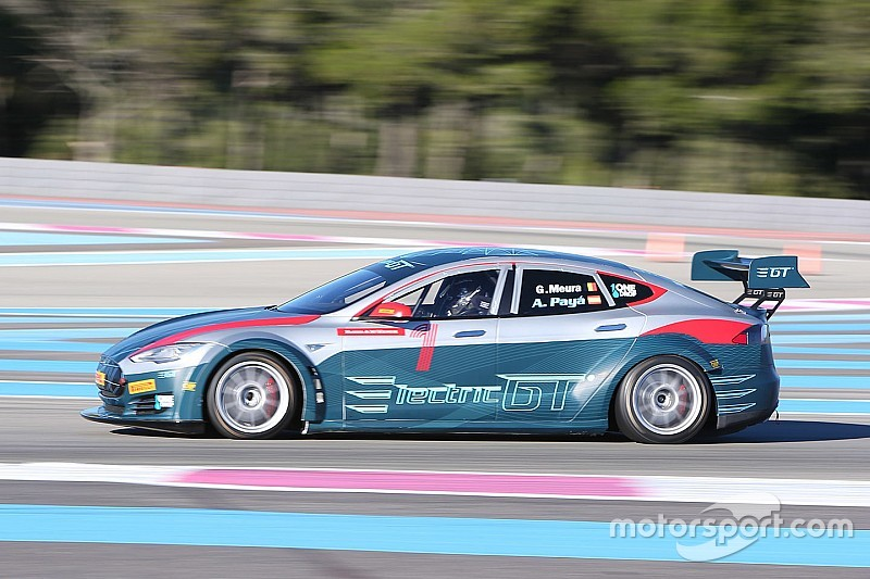 Heinz-Harald Frentzen testet elektrisches GT-Auto