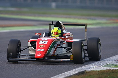 Hihetetlen: Mick Schumacher a 26. helyről lett második