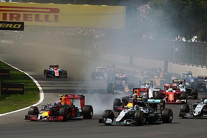 """Verstappen haalt uit: """"Vettel is een gefrustreerd mannetje"""""""