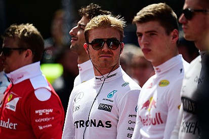 Chefe da Mercedes vê título nas mãos de Rosberg