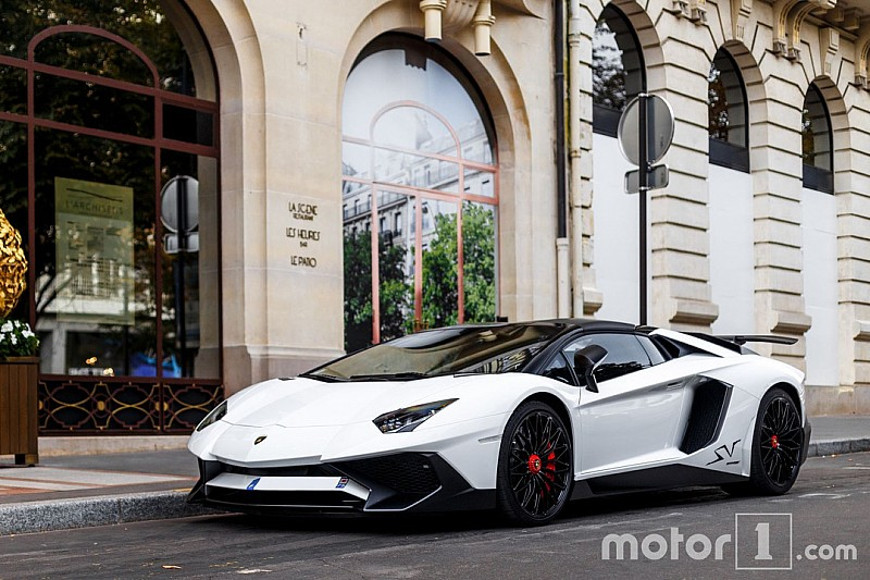Best of - Les plus beaux supercars à Paris