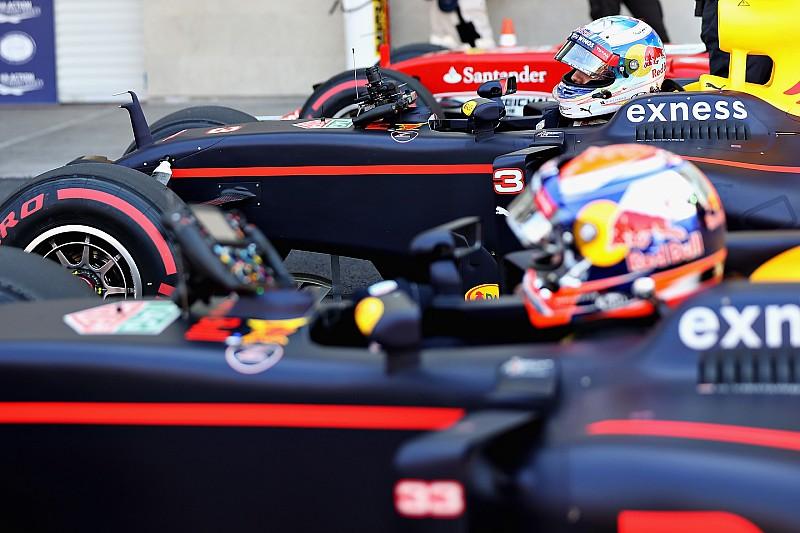 """Horner: Ricciardo e Verstappen """"subiram nível"""" da Red Bull"""