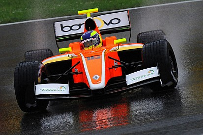 Dillmann beffa Vaxiviere e centra la pole per Gara 1 a Barcellona