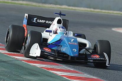 Оруджев выиграл первую гонку в Барселоне