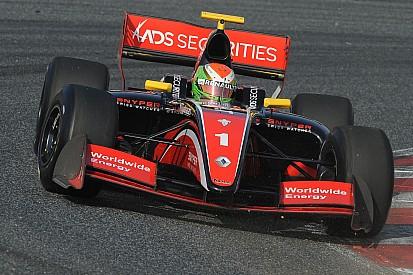 Louis Deletraz ci crede e conquista allo scadere la pole per Gara 2