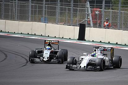"""Force India y Williams están """"absolutamente iguales"""", dice Fernley"""