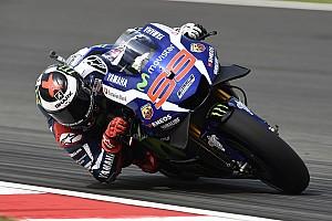MotoGP Отчет о тренировке Лоренсо стал быстрейшим в первой тренировке Гран При Валенсии
