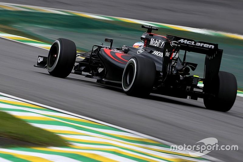 ألونسو يتوقّع من فريق ويليامز أن يكون سريعًا خلال السباق تحت الظروف الجافة