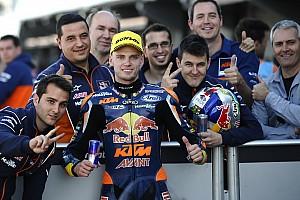 Moto3 Raceverslag Kampioen Binder sluit seizoen in stijl af met zege in Valencia