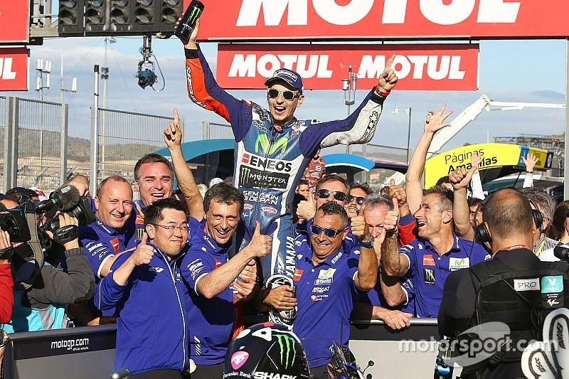 Lorenzo neemt afscheid van Yamaha met klinkende zege in Valencia
