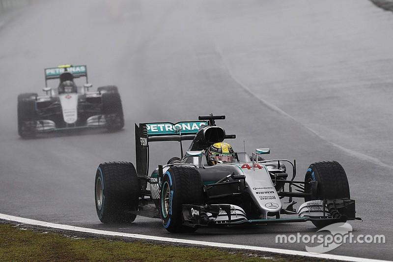Course - Hamilton gagne une course d'exception, Verstappen flamboyant!