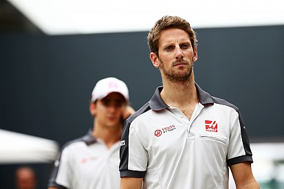 Grosjean crasht onderweg naar startopstelling Braziliaanse Grand Prix
