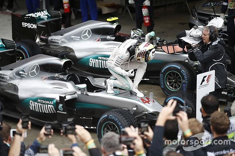 Hamilton gana en un loco GP de Brasil y mantiene vivas las opciones de título