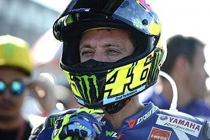 Las patadas persiguen a Rossi