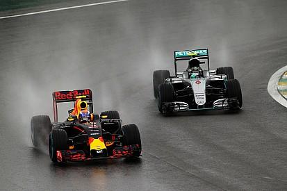 Verstappen se gana las comparaciones con Senna y Schumacher