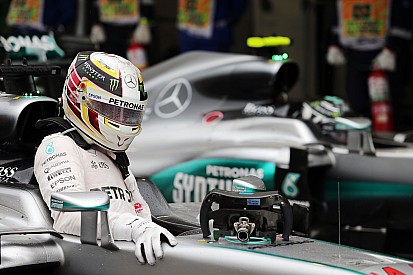 """Hamilton ve """"poco probable"""" ganar el campeonato en Abu Dhabi"""